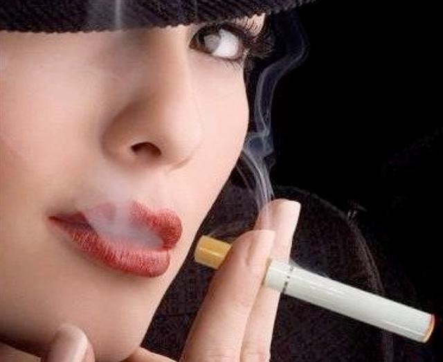 La cigarette electronique n'abime pas la peau des femmes